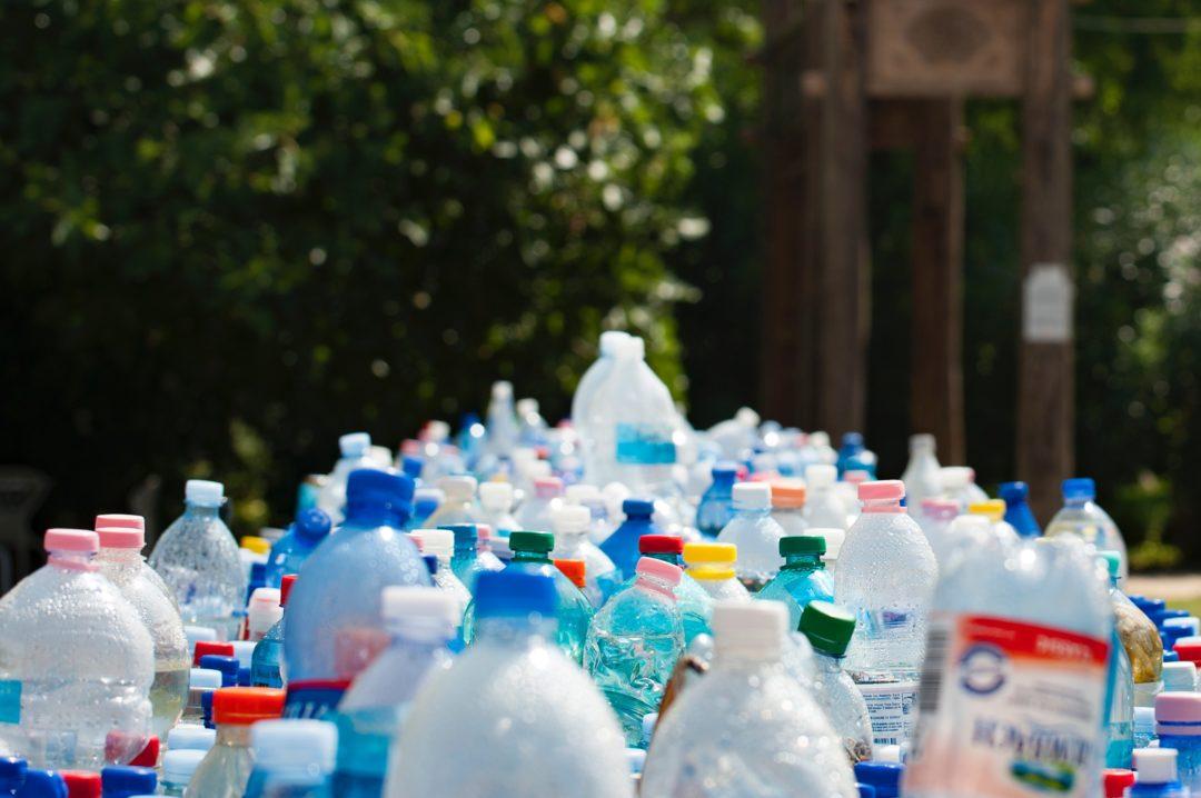 Wchodzi zakaz jednorazowego plastiku
